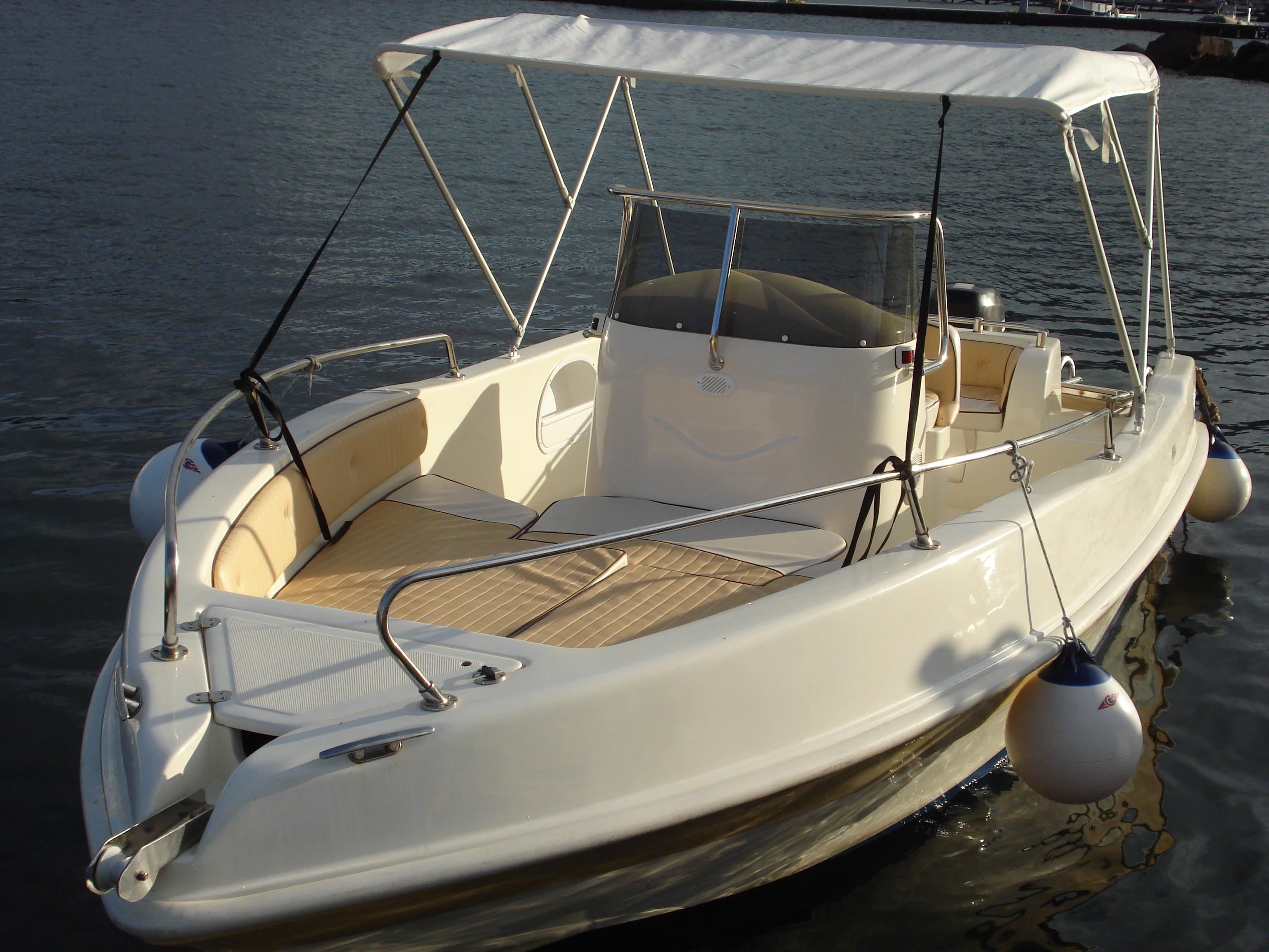 Noleggio e locazione lipari service for Doccetta barca